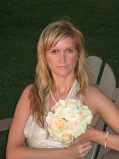 Pavli se podarilo chytit svatebni kytici....Uz se tesime na jeji svatbu