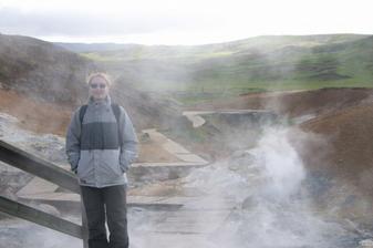 Tak to jsem já v oparu sírových výparů na Islandu.