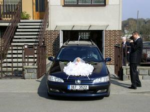 Auto pro nevěstu/ The decorated car