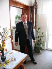 Ženichův tatínek/ Groom's father