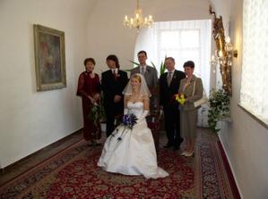 Novomanželé s rodiči/ Newlyweds with parents