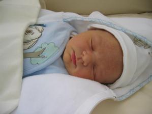 naše zlatíčko Toníček se narodil 9.5.2008