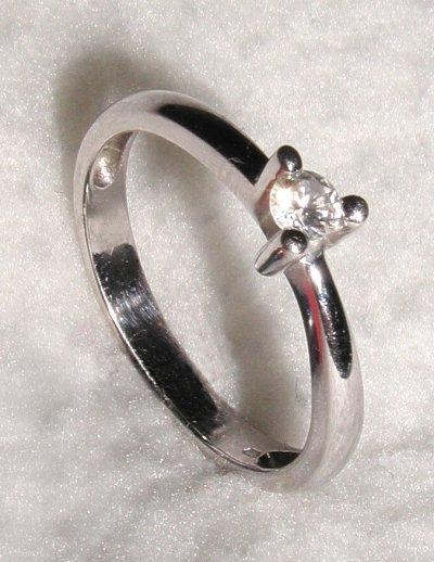 Co uz mam(e) k 27.08.2005 - snubny prstienok-detail