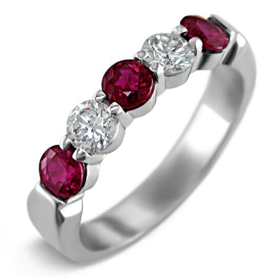 Kraaasne snubne prstene a saty pre inspiraciu - Obrázok č. 23