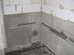 2011 august - voda v spajzy nieje v stene