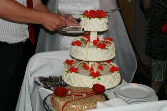 Jeste jednou svatebni dortik a svatebni medovnik od svedkyne Peti - mnamky : -))