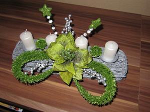 dekorácia na vianočný stôl