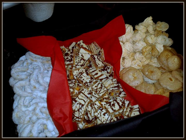 V kuchyni? - rohlíčky, griliášové řezy, pusinky a ořechové placky...