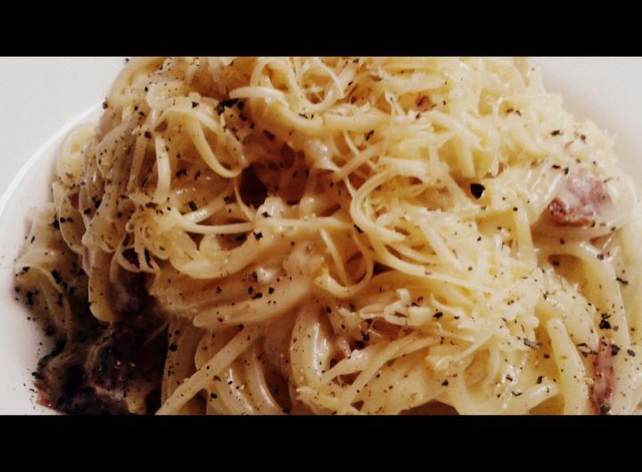 V kuchyni? - Počeštěné špagety carbonara aneb co lednice dala