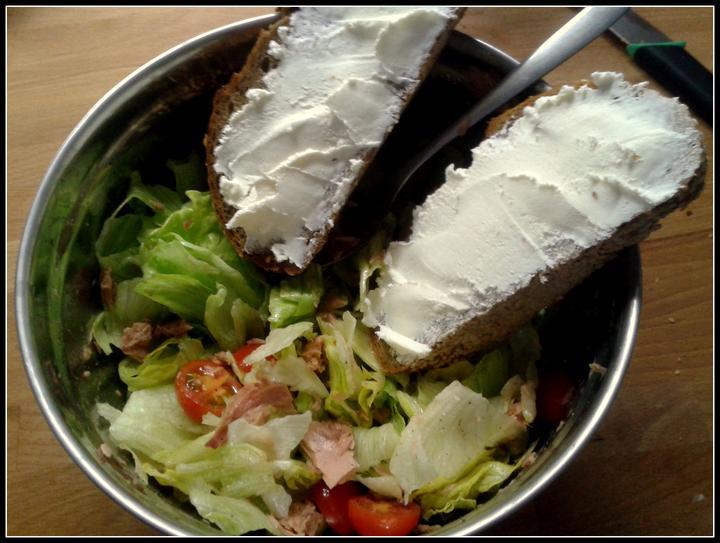 V kuchyni? - Dnešní odlehčený oběd.... :-)