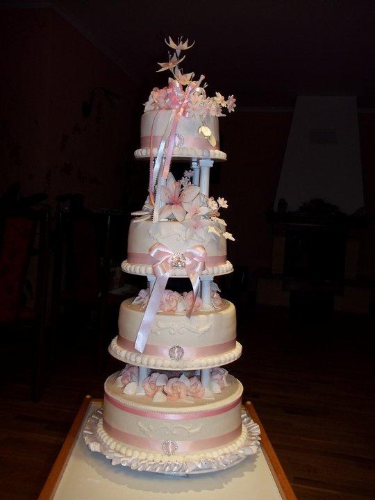 Zuzka{{_AND_}}Paľko - naša svadobná torta :)
