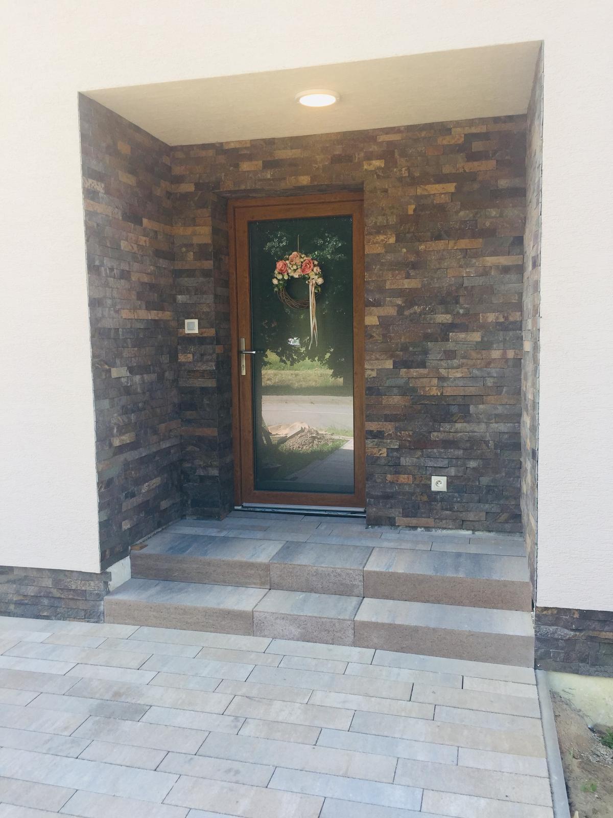 S Haus - Predný vchod