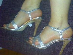 Guess topánočky som nakoniec kúpila a môžem ich nosiť aj po svadbe :)
