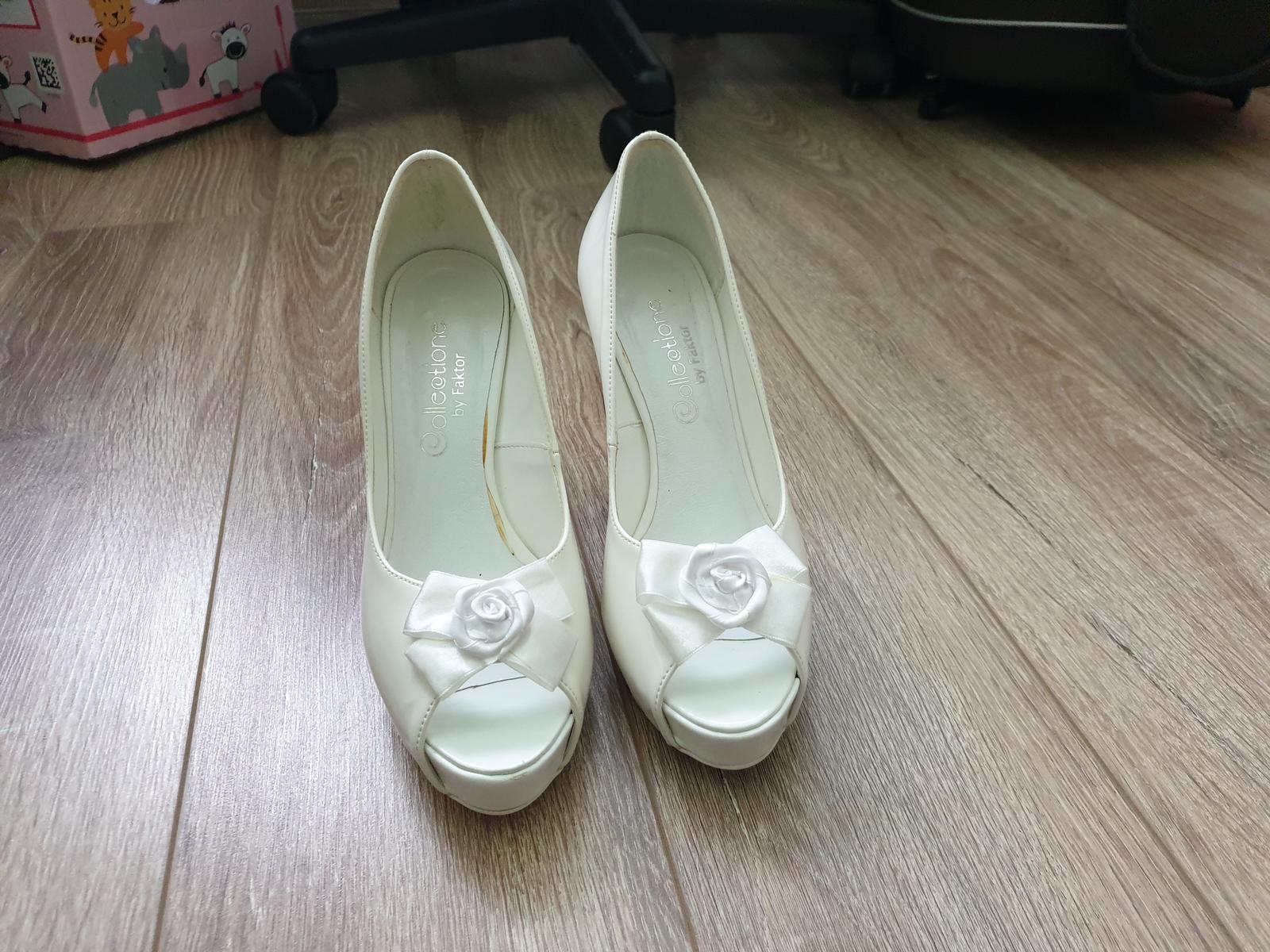 Svadobne topánky - Obrázok č. 1