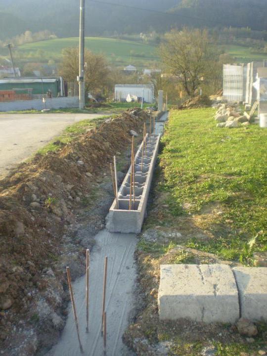 Domček na kopčeku - plot konečne vo vyrobe...