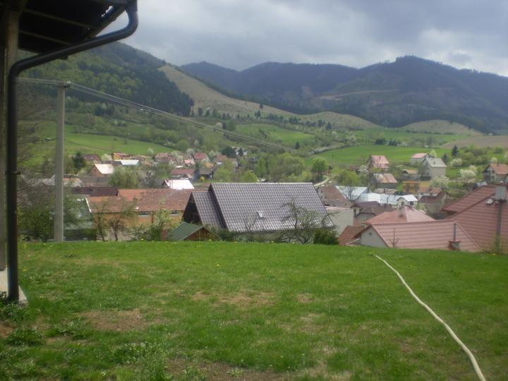 Domček na kopčeku - dnešny pohlad s terasy....