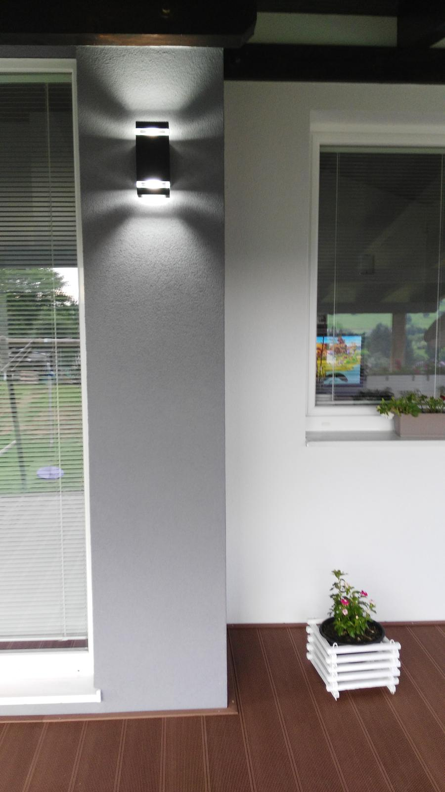 Domček na kopčeku - nove svetla zapojene