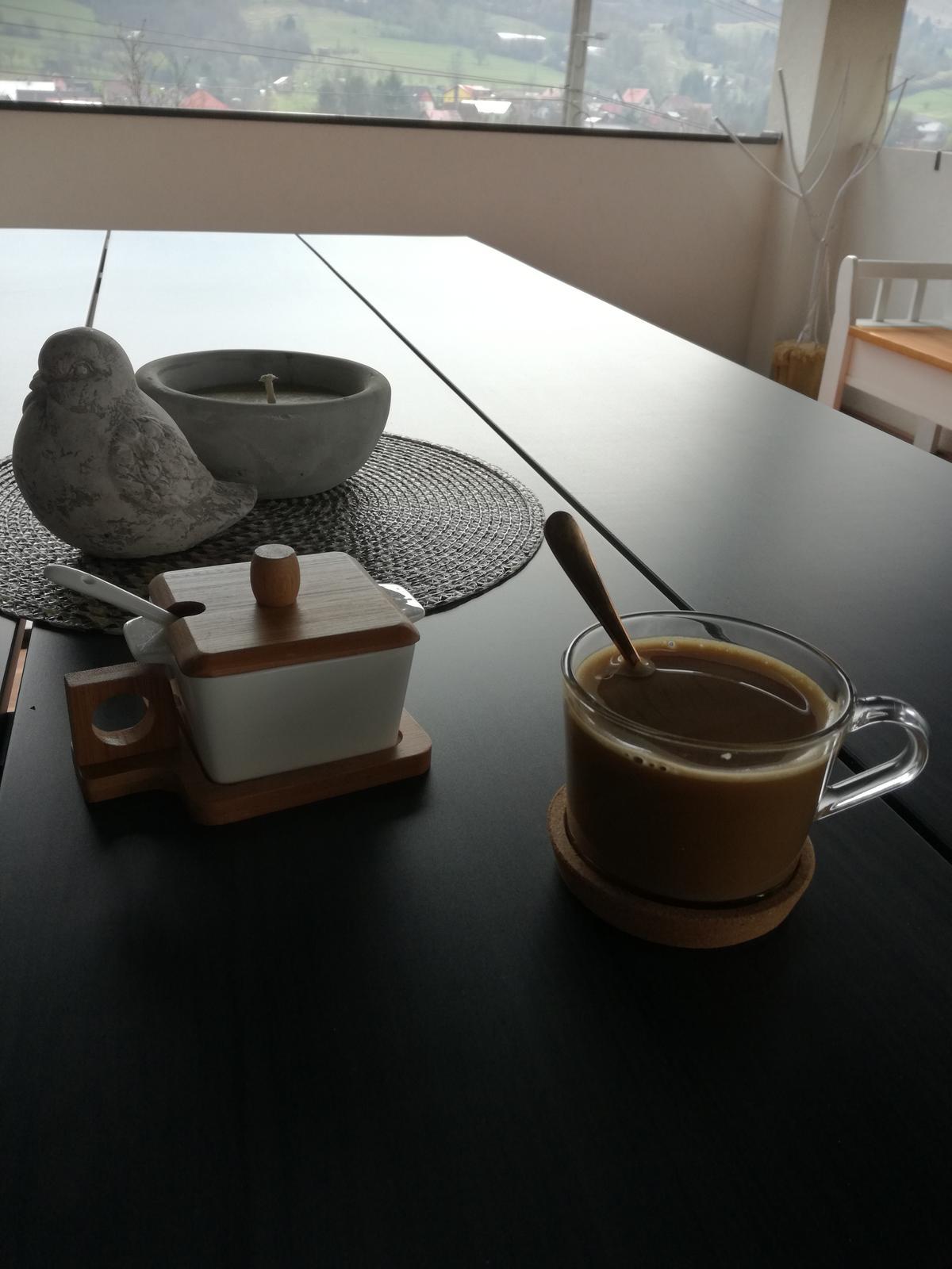 Domček na kopčeku - Káva konečne na čerstvom vzduchu