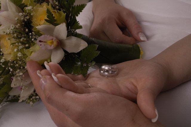 Petra Misakova{{_AND_}}Stanislav Augustin - tak toto su nase prstienky a kyticka