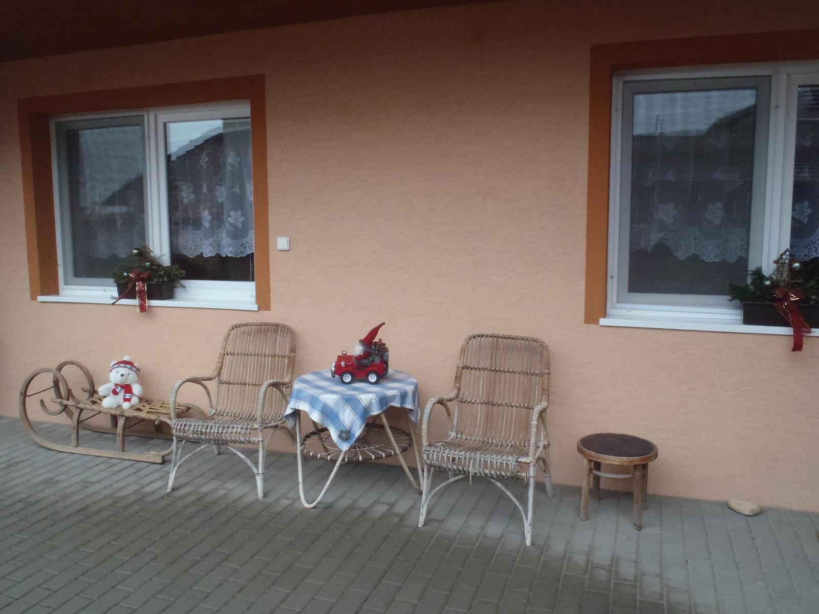 """Vánoce 2012 - Posezení na dvoře - ,,vánoční"""" :-)"""