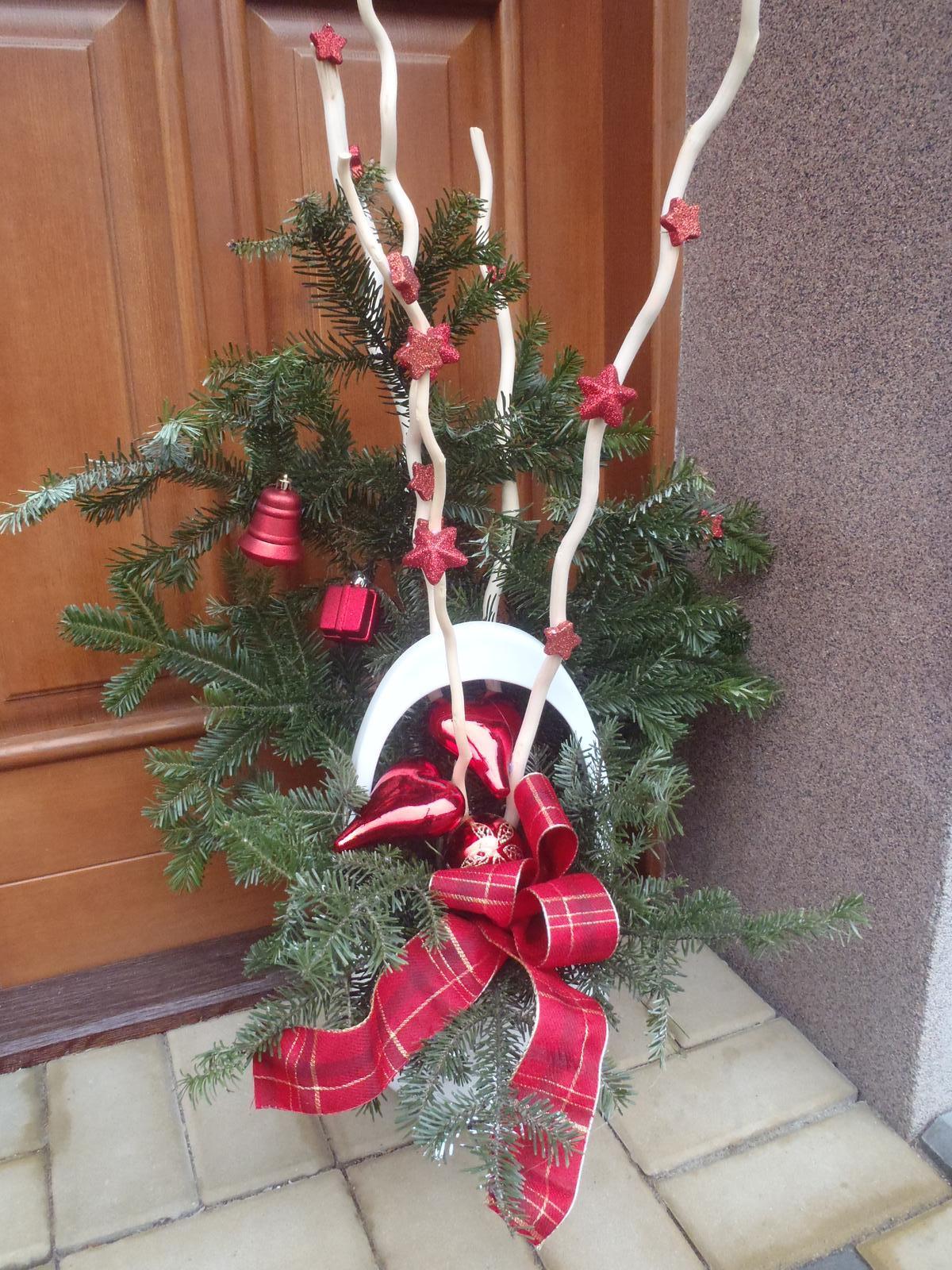Vánoce 2012 - dekorace u vchodu