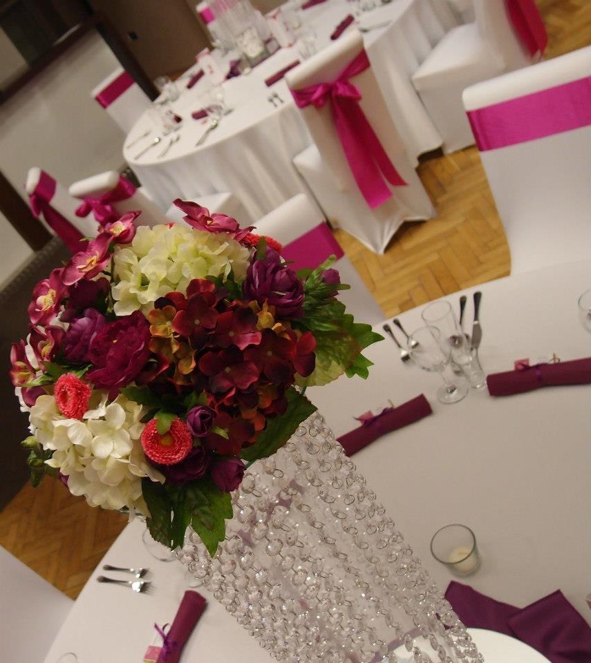 Výpredaj produktov z našich výzdob - Fialové umelé kvetinové pologule, 12ks