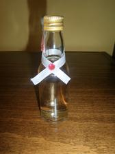 svadobne flaštičky s pálenkou chýba ešte etiketka