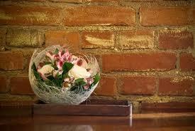 takéto aranžmany použijeme ...z b cyklam.sisalu a biele kvety