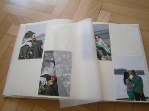 dosli nam fotky do knihy hosti