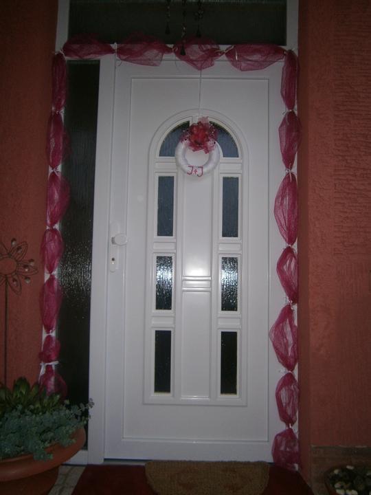 Janka {{_AND_}}Janík Pokrivňákovci - vchodove dvere