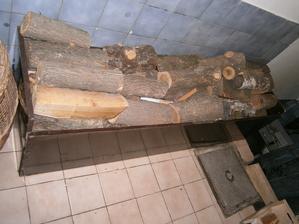 toto som vyrobila sama včera na drevo :D