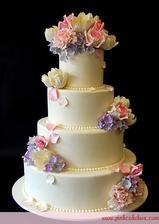 svadobná torta už objednaná