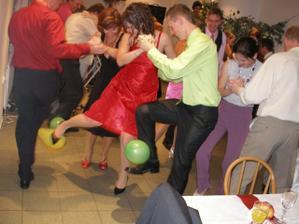 tanec s balónikmi