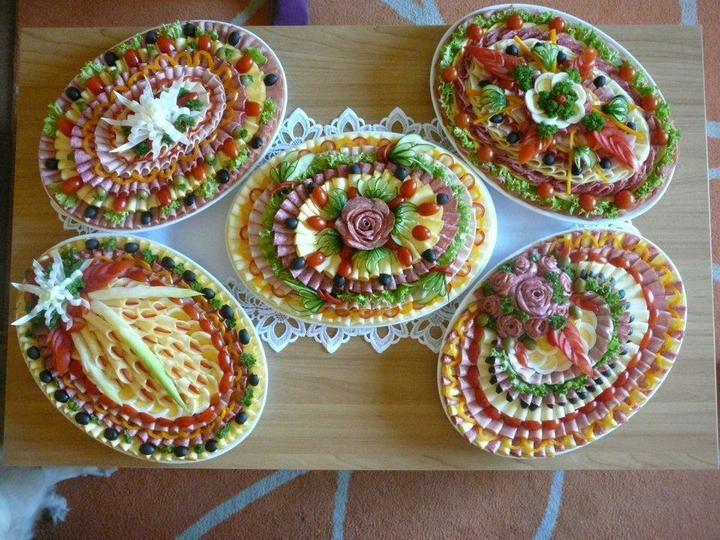 Moje představa - přemýšlím o přesně takto udělaných talířích na večerní raut ..