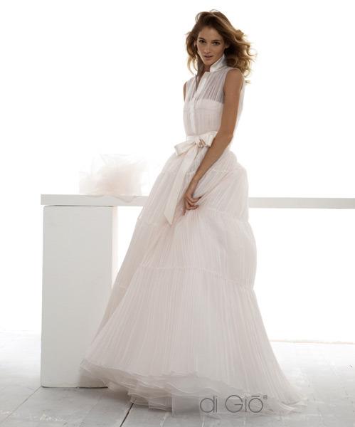Ahojte, hľadám svadobné šaty... - Obrázok č. 1