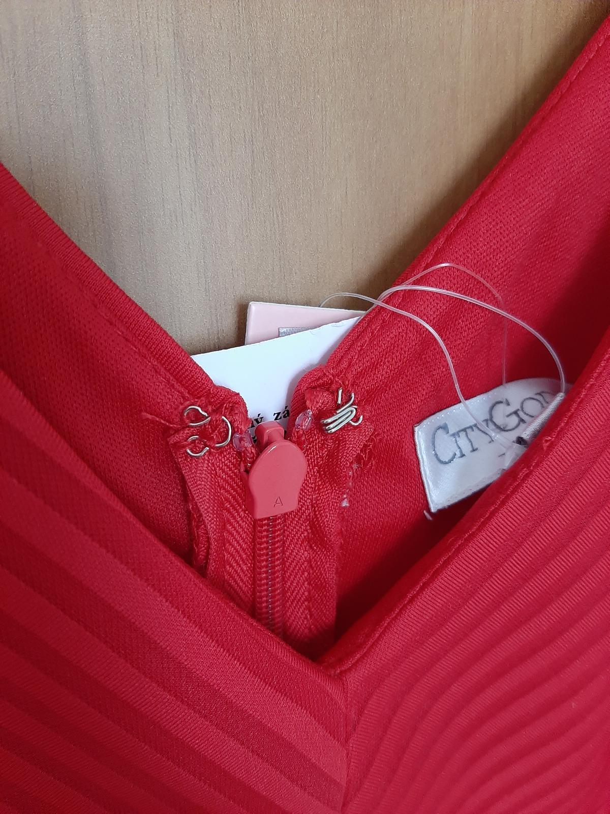 Červené šaty na redový tanec - Obrázok č. 4