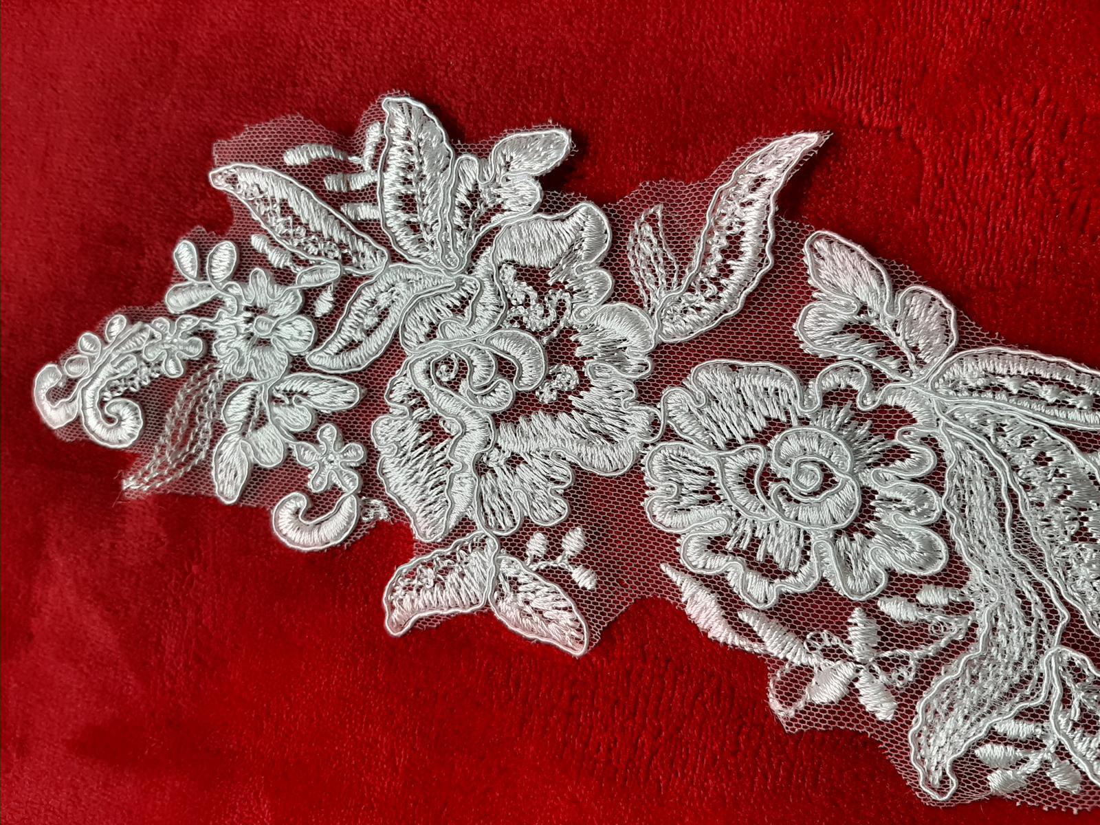 Čipka-krásny dekor na šaty, závoj - Obrázok č. 2