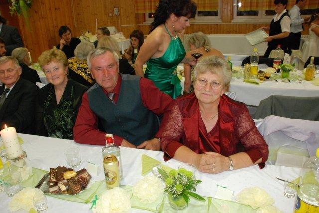 Miriama Spisakova{{_AND_}}Peter Mulik - mamina sesternica s manzelom....