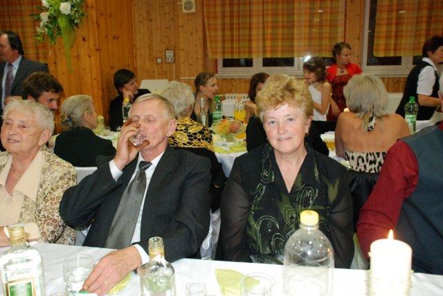 Miriama Spisakova{{_AND_}}Peter Mulik - babkin brat s manzelkou