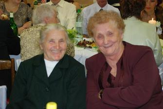 moja babicka... s petovou babickou...