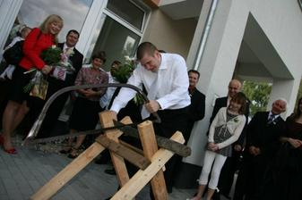 tradície musia byť: treba popíliť drevo : )