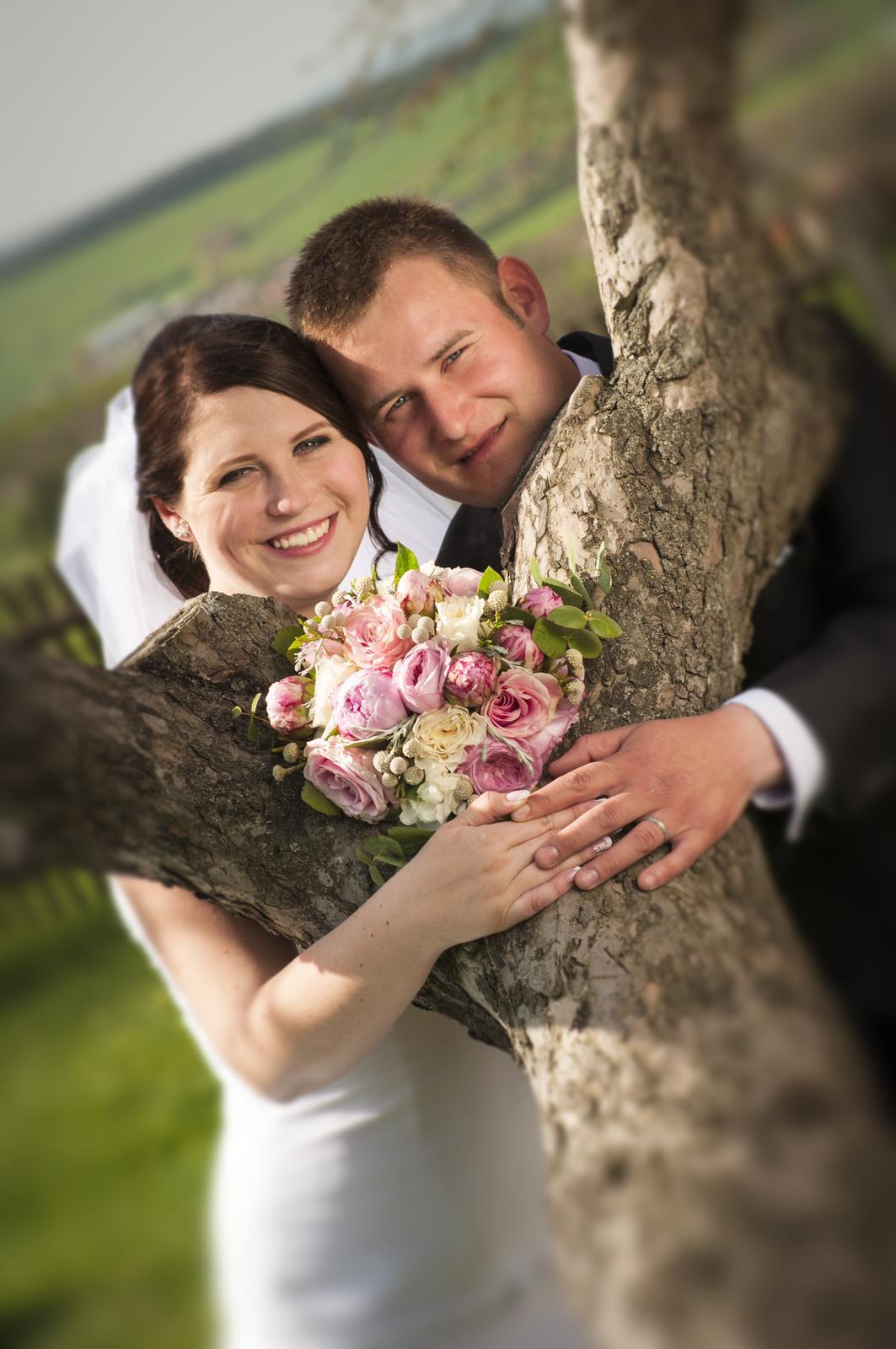 20. kvě 2015 v 10 48 • Svatba byla v dubnu 2015 • Odpověz • To se mi líbí • 55e45a1a13