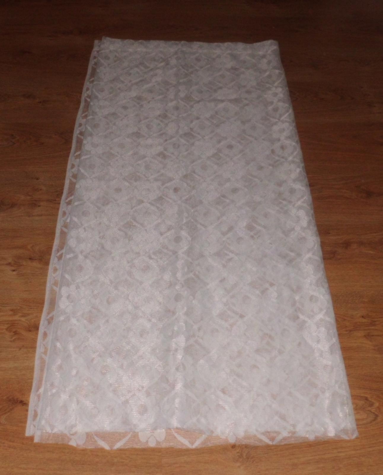 záclona s kytkami š 2,45cm x d 1,30cm  - Obrázek č. 1