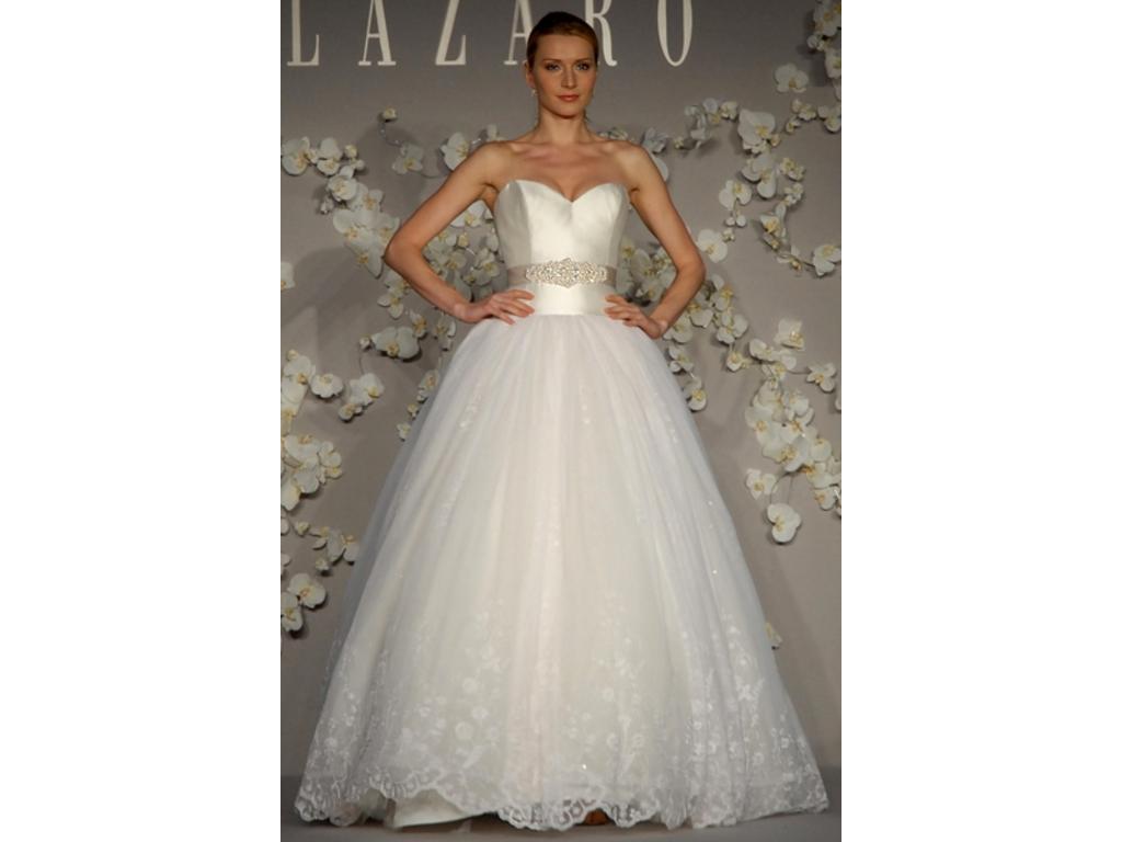 Ako sme si vytvorili našu svadbičku :) - moje šaty boli ušité podľa tohto návrhu...LAZARO 3007