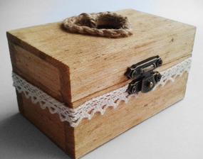 Drevená krabička pre obrúčky...vlastná práca :)