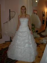 salon Evanie (šaty Sophie) zepředu