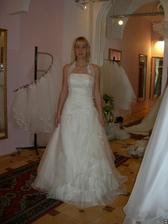 salon Evanie (šaty Sardegna) zepředu I
