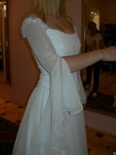 salon Evanie (šaty Sardegna) detail rukávku