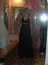 salon Evanie (šaty antika) profil, mají je i v bílé, jen byly půjčené