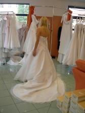 salon Orfea (šaty Antoinette) s vlečkou